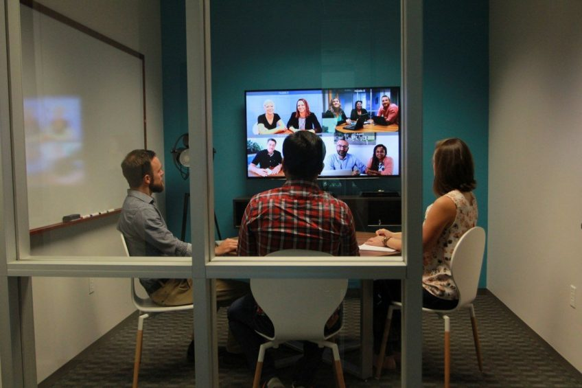 Eight do's & don'ts of video conferencing​
